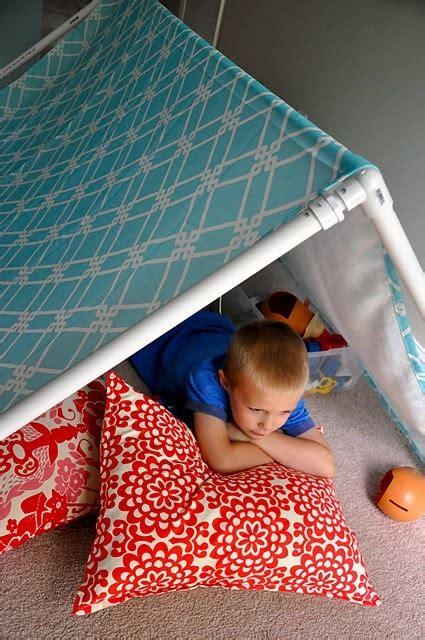 indoor tent    tablecloth  pvc pipe diy