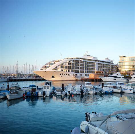 Sunborn Hotels  Luxury Yacht Hotel  London & Gibraltar. Hotel Plaza Annex Yokote. Shakespeare'S View Hotel. Pullman Marseille Provence Hotel. Marc Aurel Spa & Golf Resort. Tachawan Resort & Restaurant. Genova Hotel. Baan Krating Pai Hotel. Blue Tree Towers Florianopolis Hotel