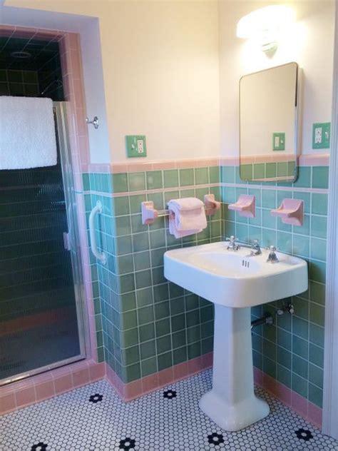 Retro Pink Bathroom Decor by 38 Best Vintage Tile Bathrooms Images On