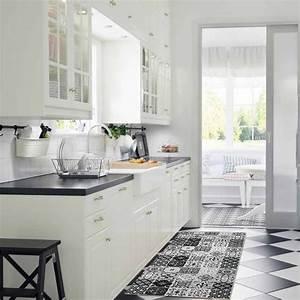 Tapis Cuisine Carreaux De Ciment : tapis carreaux de ciments noir 120x50cm toodoo tapis ~ Dailycaller-alerts.com Idées de Décoration