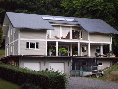 maison en bois style louisiane maison ossature bois de style quot louisiane quot recouverte d un bardage peint architecture bois