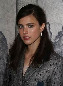 MARGARET QUALLEY at The Leftovers, Season 3 Premiere in ...