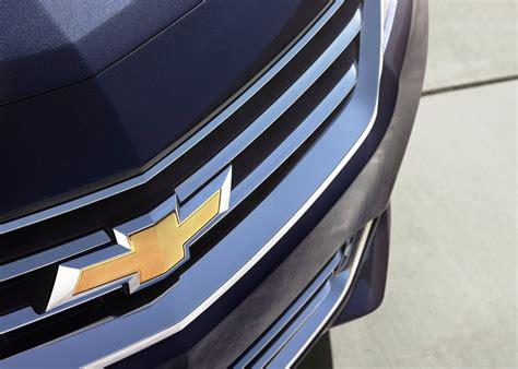 Chevrolet Impala - Car Pictures, Images – GaddiDekho.com