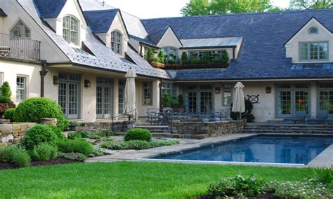 shaped front house designs  shaped home design  pool beautiful bungalow designs