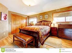 Chambre Coucher Riche Avec L39ensemble De Meubles