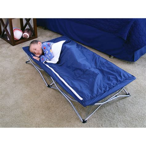Regalo My Cot Portable Toddler Bed by Regalo International My Cot Deluxe Portable Child Travel