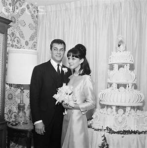 Tony Curtis and Christine Kaufmann, 1963 | Famous Weddings ...