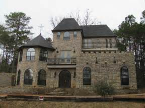 Castle Type Homes Pictures by 11 Best Images About Castle Style Homes On
