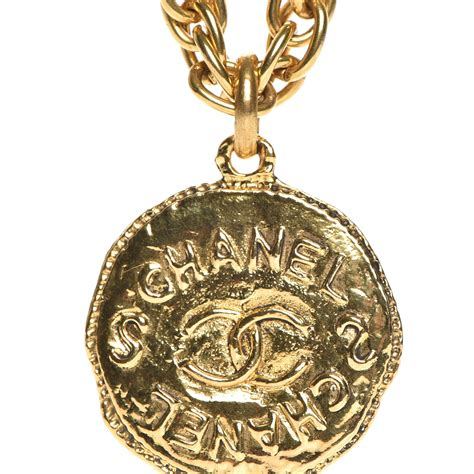 Chanel Vintage Cc Medallion Chain Necklace Gold 217231. Celtic Style Wedding Rings. Sterling Silver Engagement Rings. 32 Carat Diamond. Plastic Bands. Rhodium Engagement Rings. Pig Pendant. Solid White Gold Bangle Bracelet. Pave Diamond Bangle Bracelet