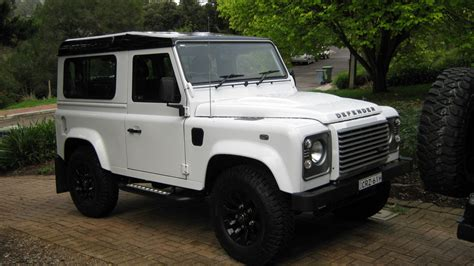 2014 Land Rover Defender 90 Review