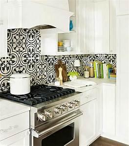 Carreaux De Ciment Noir Et Blanc : dosseret de cuisine artisanal gr ce aux carreaux de ciment ~ Dailycaller-alerts.com Idées de Décoration
