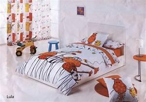 la chambre enfants sous toutes ses couleurs With chambre bébé design avec draps fleurs