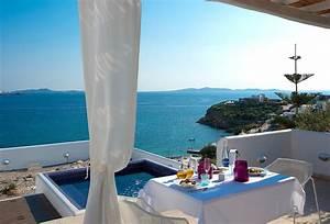 5 Best Luxury Villas Suites On Santorini And Mykonos