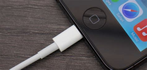 to do if your iphone wont charge tips for charging your phone without frying your battery