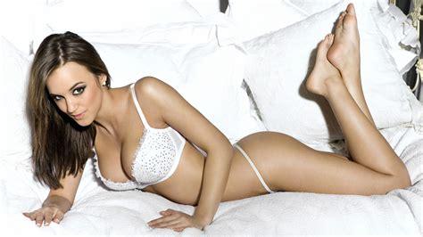 Rosie Jones Glamour Model Wallpapers