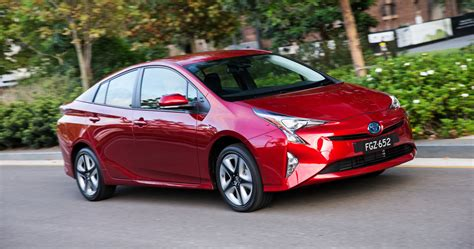 review  toyota prius review carshowroomcomau