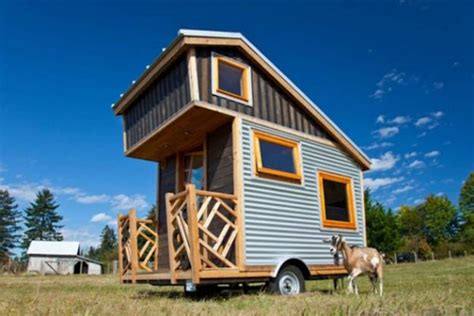 trailer transformed  miniature modern house featuring