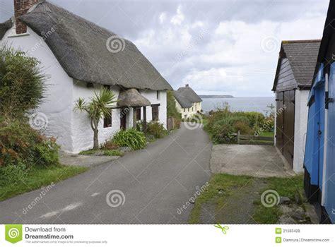 Cottage In Cornovaglia by Cottage Della Cornovaglia Fotografia Stock Immagine Di