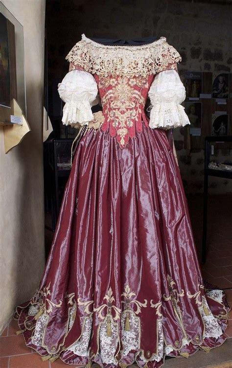 les chais de la cour allégorie inspiré d 39 un costume de ballet de cour de la