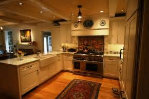 Traditional Farmhouse Kitchen Cabinets