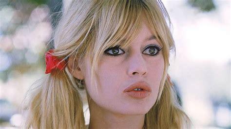 Born 28 september 1934), often referred to by her initials b.b., is a french animal rights activist and former actress and singer. Brigitte Bardot confiesa un intento de suicidio cuando era adolescente | Marca.com