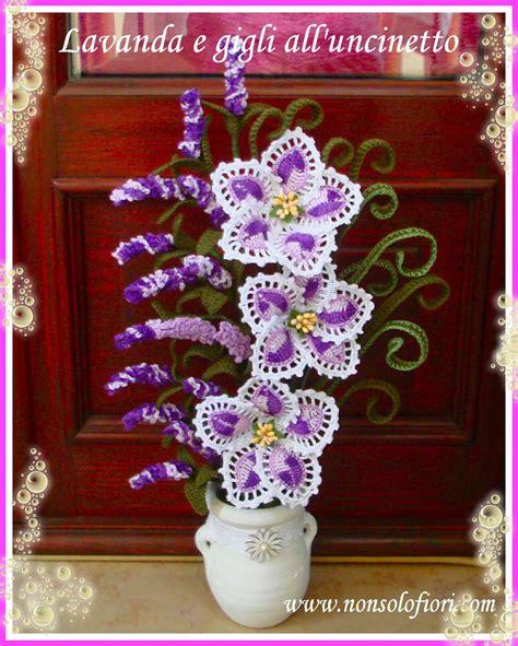 composizioni fiori uncinetto composizione di fiori all uncinetto lavanda e gigli