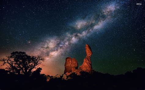 Milky Way Above The Canyon Wallpaper