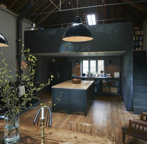 cuisine avec sol parquet cuisine industrielle l 39 élégance brute en 82 photos