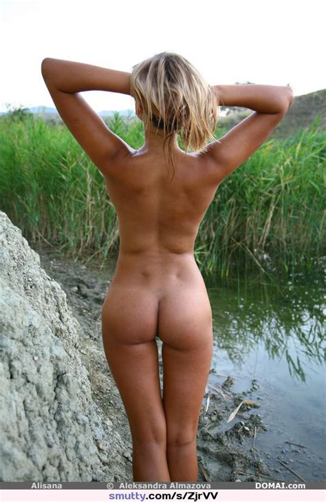 Alisana Sexy Nude Slim Curvy Hotbody Pose Butts