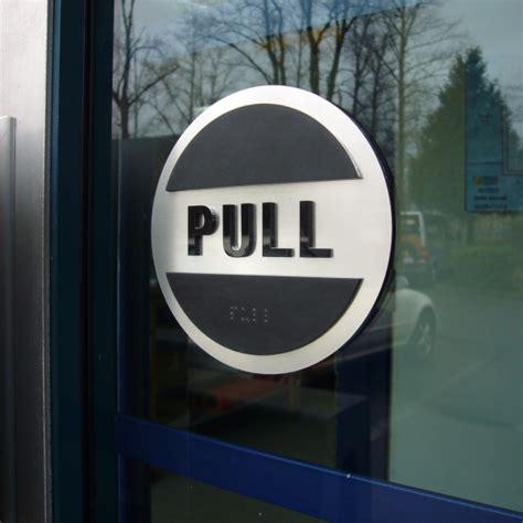 door push pull sign set  bc site service