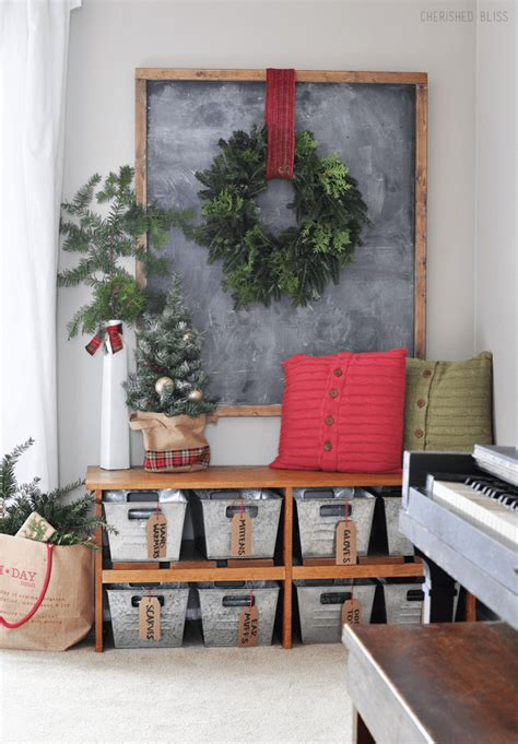 Every item on this page was curated by an elle decor editor. 35 Best Christmas Wall Decor Ideas and Designs for 2021