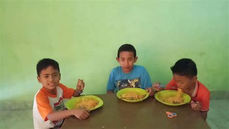 Calens Makan Mie Ayam Geprek Youtube