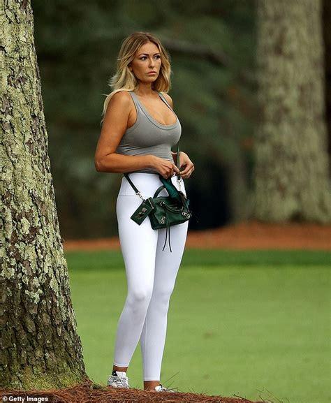 Paulina Gretzky shares a nude photo to celebrate husband ...