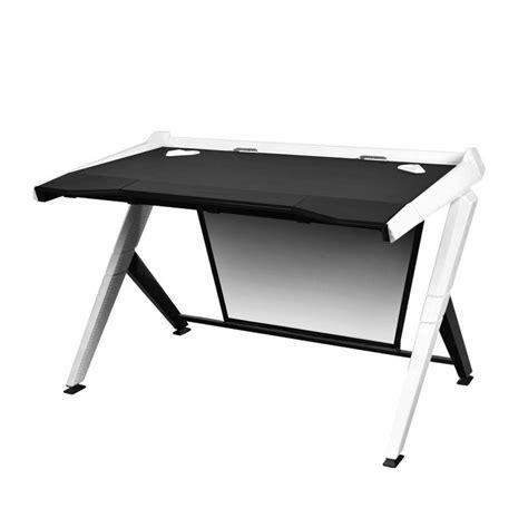 pc de bureaux bureau de pc gamer dxracer noir et blanc fauteuilgamer