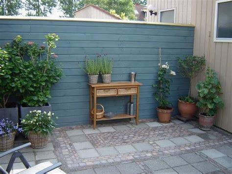 Streichen Außen by Schwedenfarbe Schwedische Farben Holzfarbe Fassadenfarbe
