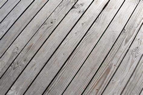 Fliesen Auf Holz Verlegen  Ist Das Denn überhaupt Möglich?