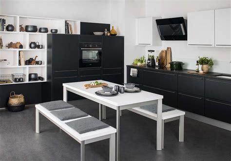 cuisine blanche et la cuisine et blanche plus contemporaine que jamais