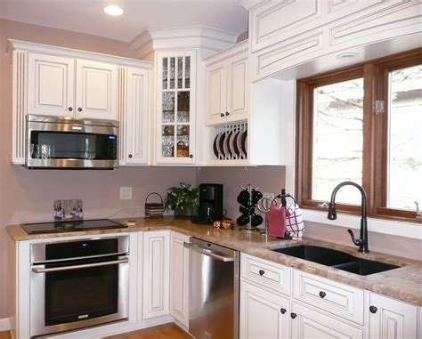 15+ Ideas About Small Kitchen Renovation  Theydesignnet