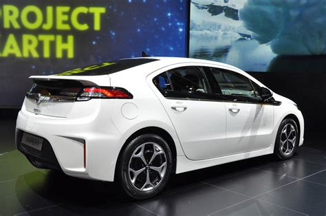 Opel Volt by Chevy Volt And Opel Era Named 2012 European Car Of The