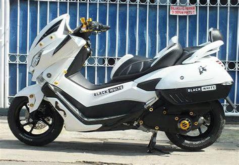 Nmax 2018 Malang by Modifikasi Yamaha Nmax Dan Pilihan Warna Terbaru 2019