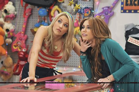 Planning A Night Out With Friends As Told By Miley Stewart