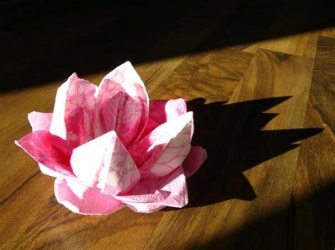 servietten falten seerose anleitung und  kreative ideen