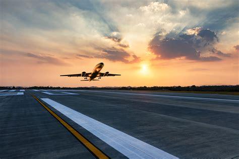 FAA warns of need for scrutiny of runway numbers ...