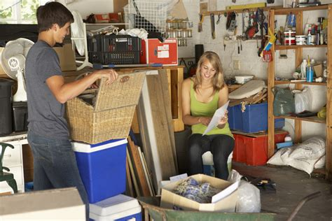 3 Reasons To Hire Professionals For Your Estate Sale