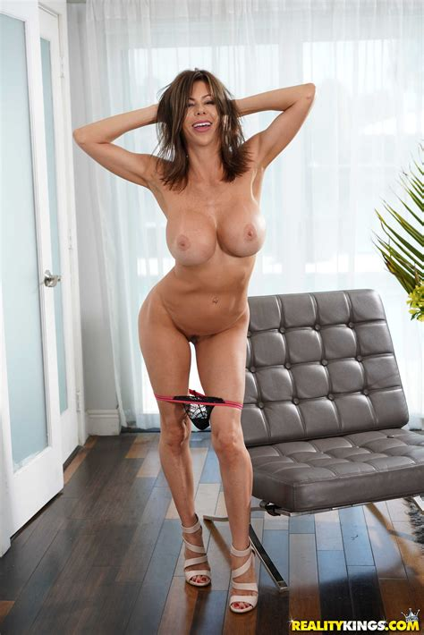 Fabulous Milf Alexis Fawx Seduces And Fucks Her Neighbor