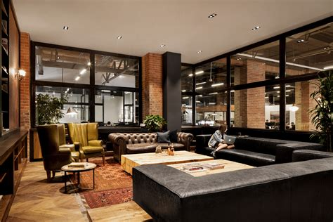 A Cigar Lounge-like Office In Toronto