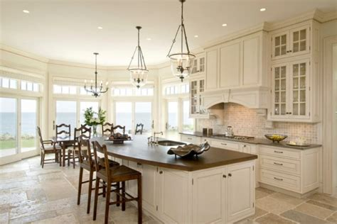Oversize Kitchens How To Include Comfortable Dining Space