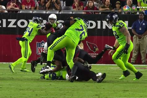 duane brown injury left tackle leaves seahawks game