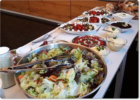 Speisen, Getränke und professionelles Catering - Brot & Spiele