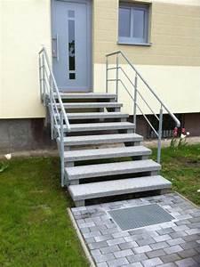 Hauseingang Treppe Modern : au entreppen aus granit oder waschbeton ~ Yasmunasinghe.com Haus und Dekorationen